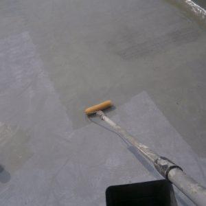 屋根防水プライマー塗布
